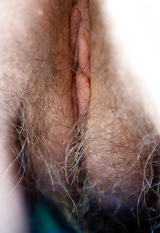 Annabelle Lee showing her tight little hairy pussy