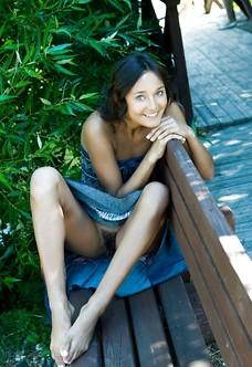 Gorgeous brunette Chandra showing muff